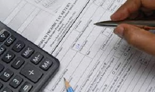 1,40,139 taxpayers disclosed income above Rs. 1 crore in AY 2017-18